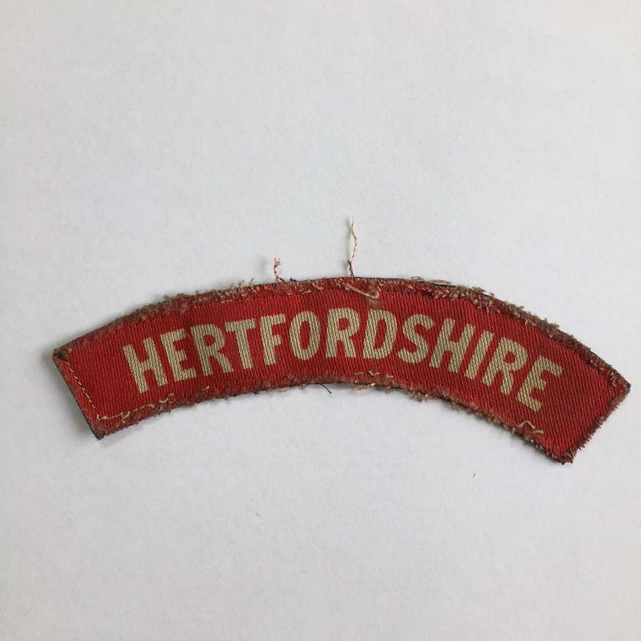 WW2 Printed Hertfordshire Regiment shoulder title