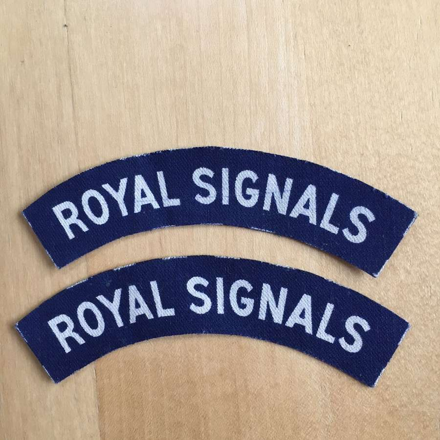WW2 Royal Signals printed pair of shoulder titles