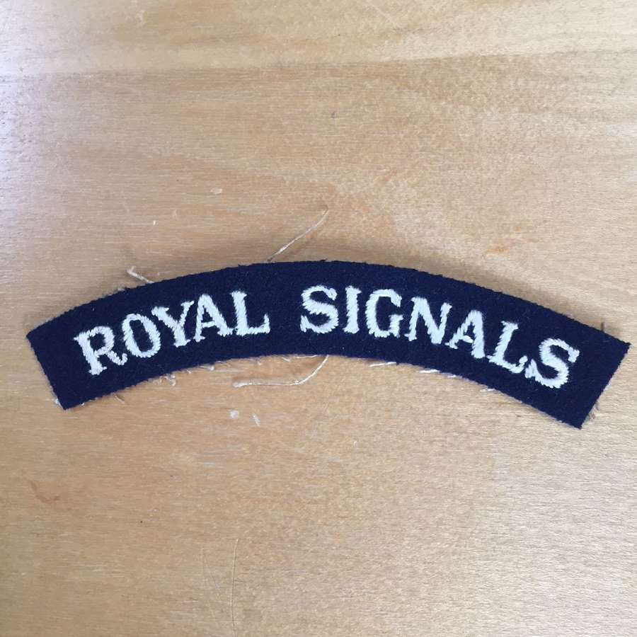 WW2 Royal Signals shoulder title