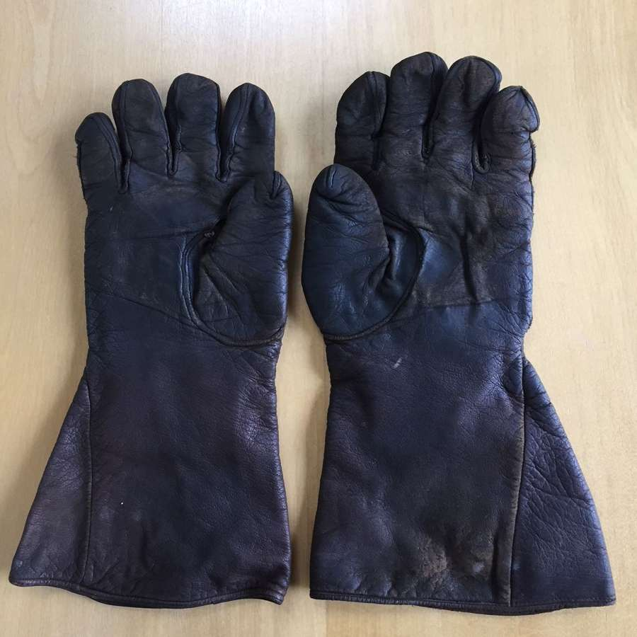 WW2 RAF D Type flying gauntlets