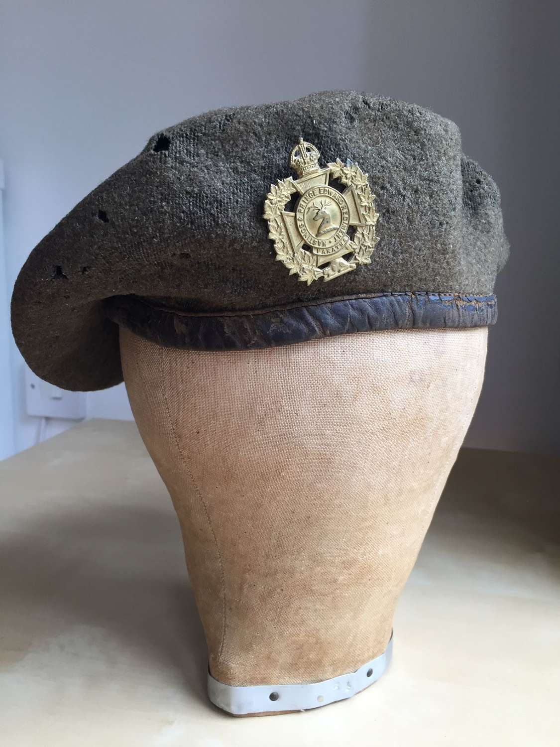 WW2 1944 dated Canadian Hastings & Prince Edward Regiment beret